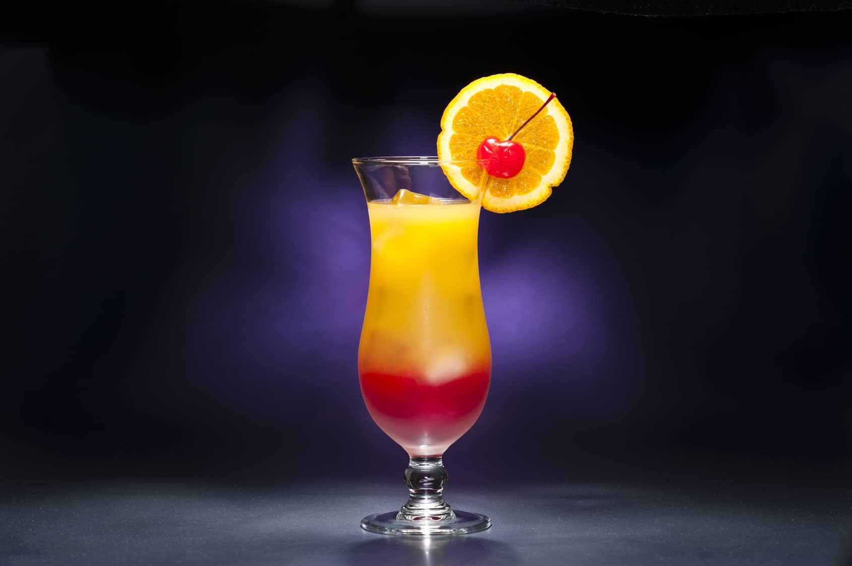Tequila sunrise das echte rezepte f r den tequila cocktail for Cocktails made with tequila
