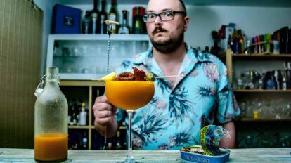 Die geheimen Zutaten für die perfekte Bloody Mary: Richtig geiler Tomatensaft, Fisch und eine Prise Wahnsinn.