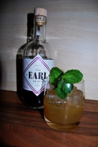 Ein Berlin Bourbon Smash mit The EARL Spirit.