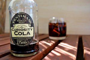 Fentimans Curiosity Cola - super zum mixen, pur eher ... schwierig.