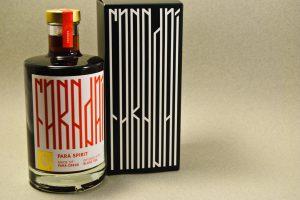 FARADAÍ ist seine eigene Spirituosen-Kategorie mit Schwarztee und Parákresse.