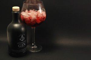 Spitzmund Gin soll vor allem in Cocktails mit Fruchtsäften funktionieren - tut er auch.