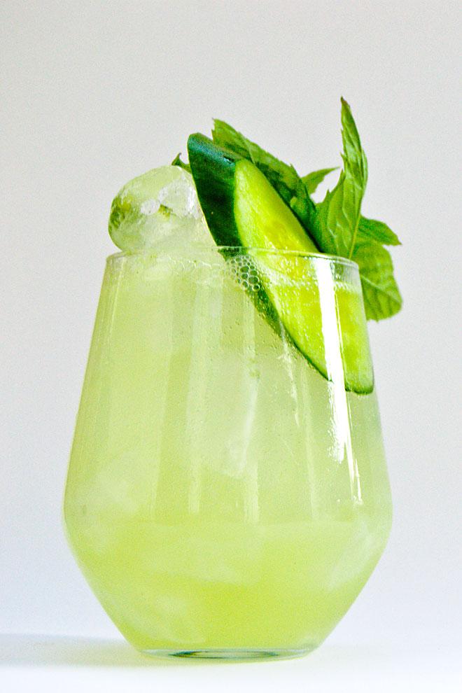 green cucumber minze bitterlemon gurke cocktail cocktails mit gin wodka whisky und liebe. Black Bedroom Furniture Sets. Home Design Ideas