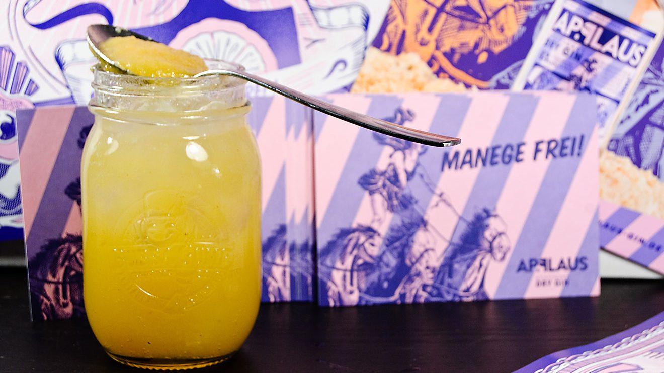 Ein Heusteig Mule mit Applaus Gin, Ginger Beer und Apfelmus - leckerer Cocktail!