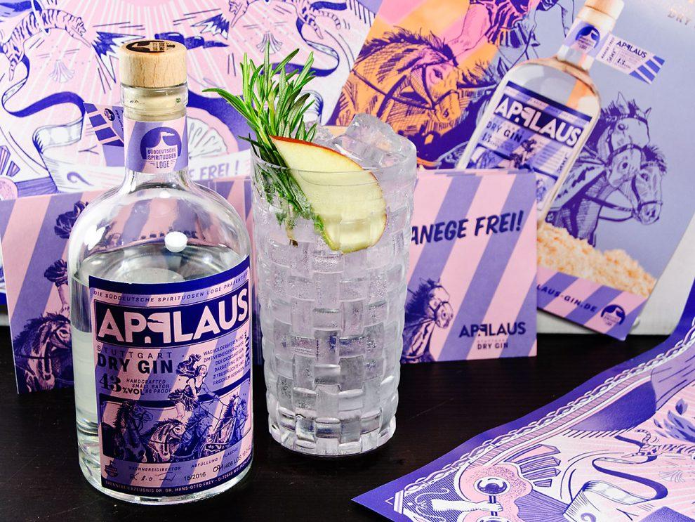Applaus Stuttgart Dry Gin garniert man als Gin Tonic am besten mit Apfel und Rosmarin.