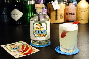 Lucky Hans Bavarian Dry Gin als Silver Gin Fizz - weil der so absurd fruchtig daherkommt, mit Apfelschale statt Zitronenzeste.