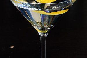 Der Martini: Für diesen Cocktail wurde das Martiniglas überhaupt erst erfunden.
