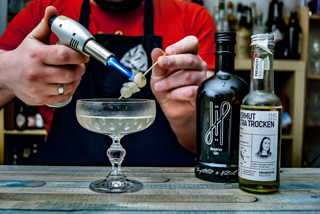 Hoos Reserve Gin mit dem Freimeisterkollektiv Very Dry Vermouth im Gibson Martini.