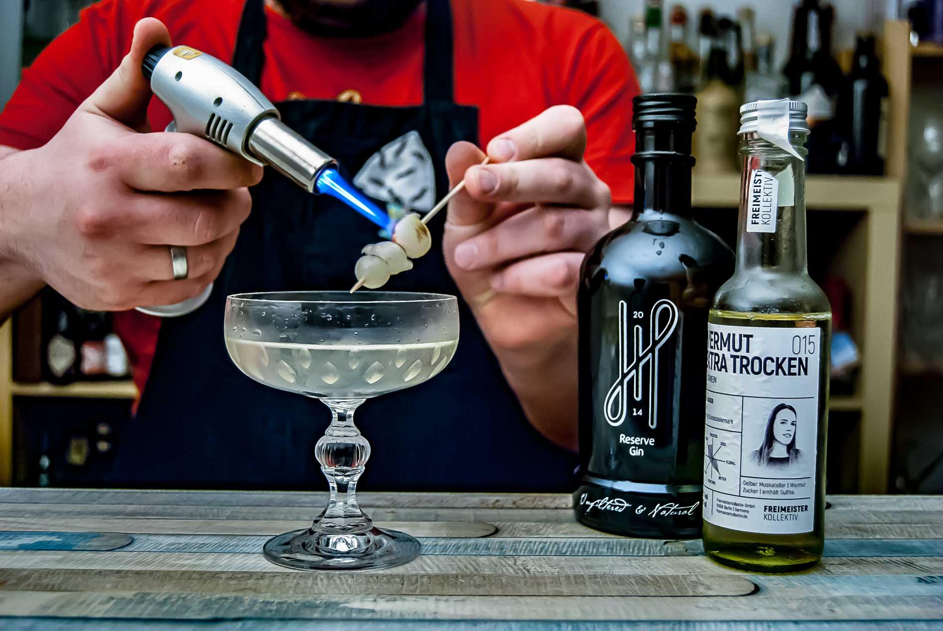 Hoos Reserve Gin mit dem Freimeisterkollektiv Very Dry Vermouth im Gibson Martini. Vielleicht einer der spannendsten Gibsons, die wir je hatten.