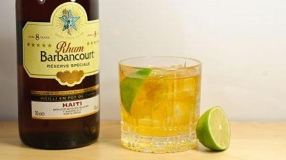 Auf Haiti trinkt man Rhum Barbancourt traditionell als Rhum and Lime - der Name des Cocktails ist gleichzeitig das Rezept.