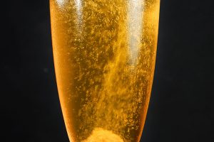 Den Champagne Cocktail gibt's mit und ohne Cognac - wir setzen auf die Variante mit.