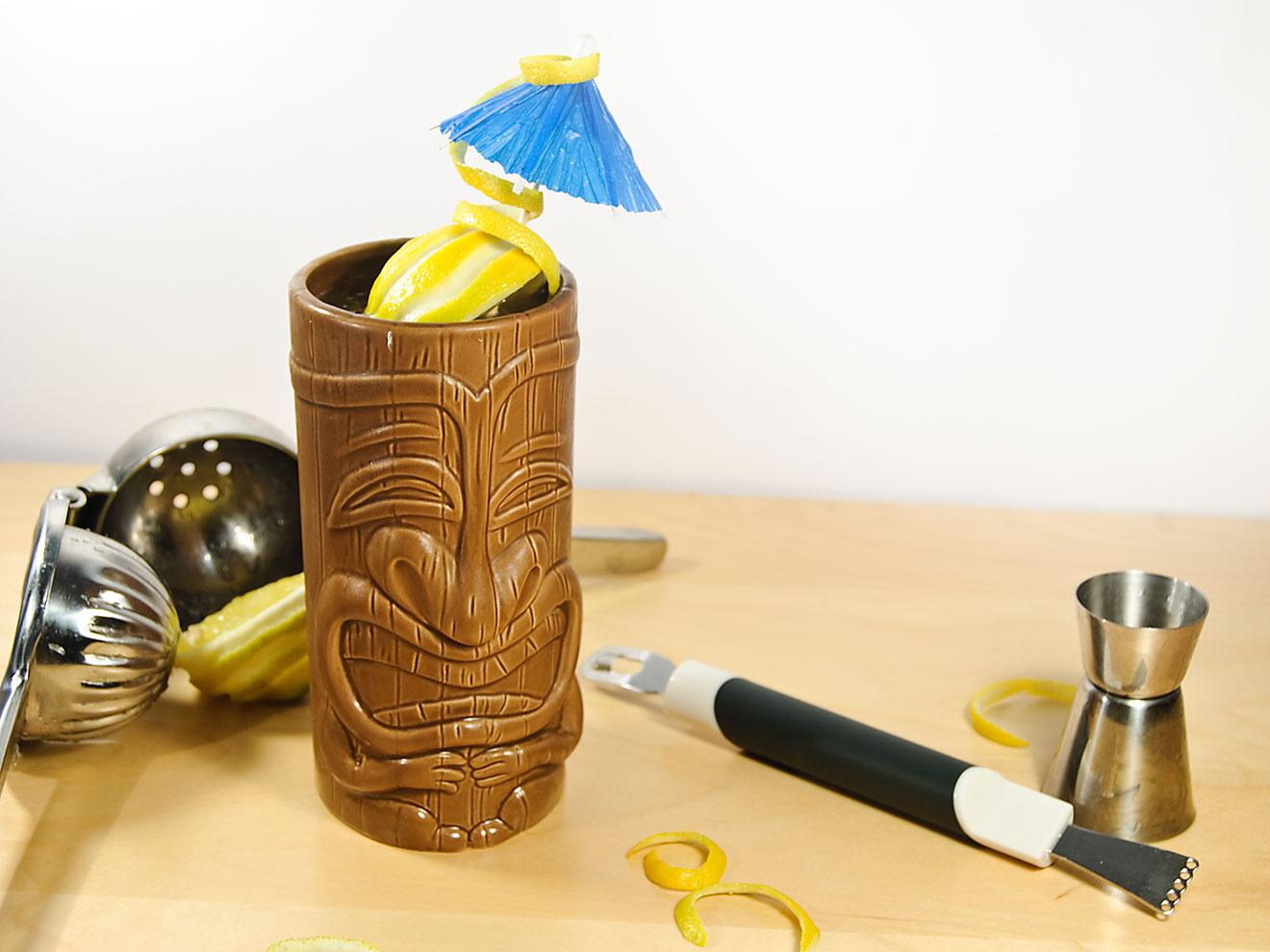 Der Fog Cutter ist ein Tiki-Cocktail aus Rum, Gin, Weinbrand und Sherry.