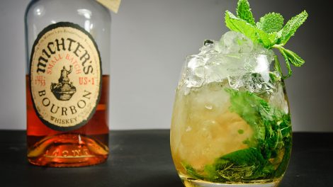 michters-small-batch-bourbon-whiskey-cocktail-minze-mint-julep