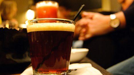 Ein Poison Monkey mit Tonka-Bourbon und Cold Drip Coffee aus dem Jaded Monkey in München.