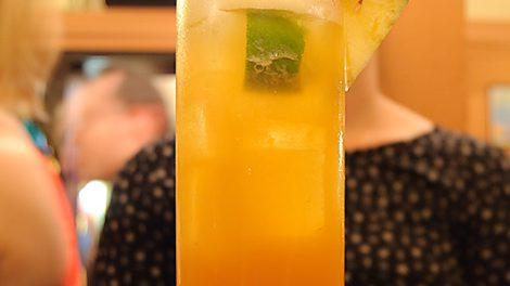 Ein Lady Hamilton-Cocktail in der Münchner Pusser's New York Bar.