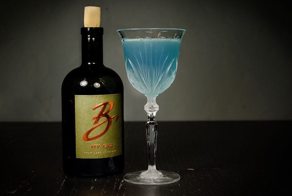Der B my Gin in einem sauguten Aviation Cocktail mit Maraschino und Creme de Violette.