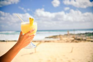 pina-colada-strand-cocktail-ananas-frisch-gepresst.jpg