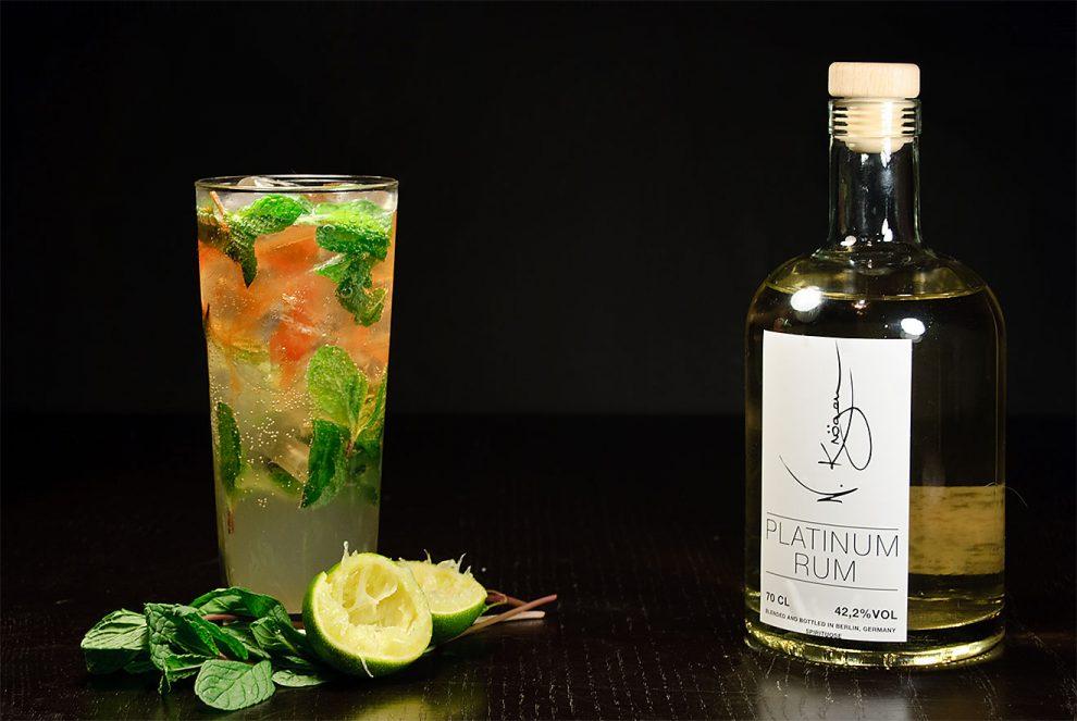 Der Platinum Rum von N. Kröger in einem Mojito mit Angostura Bitters.