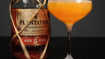 Der Plantation Barbados Rum 5 Years in einem Royal Bermuda Yacht Club-Cocktail.