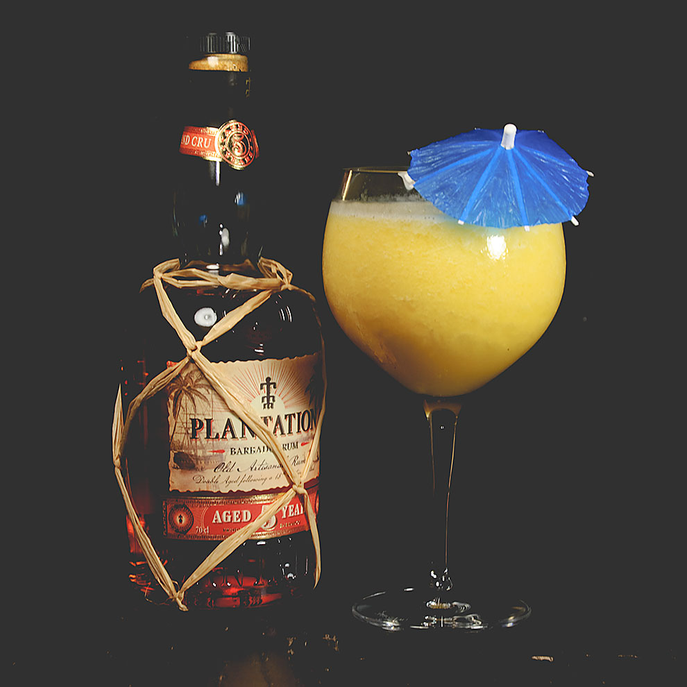 Der Plantation Barbados Rum 5 Years in einer Piña Colada.