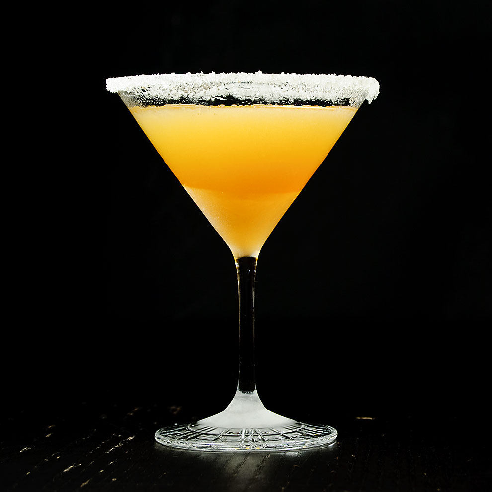 Sidecar-classic-cocktail-cognac-martiniglas-zucker-rand