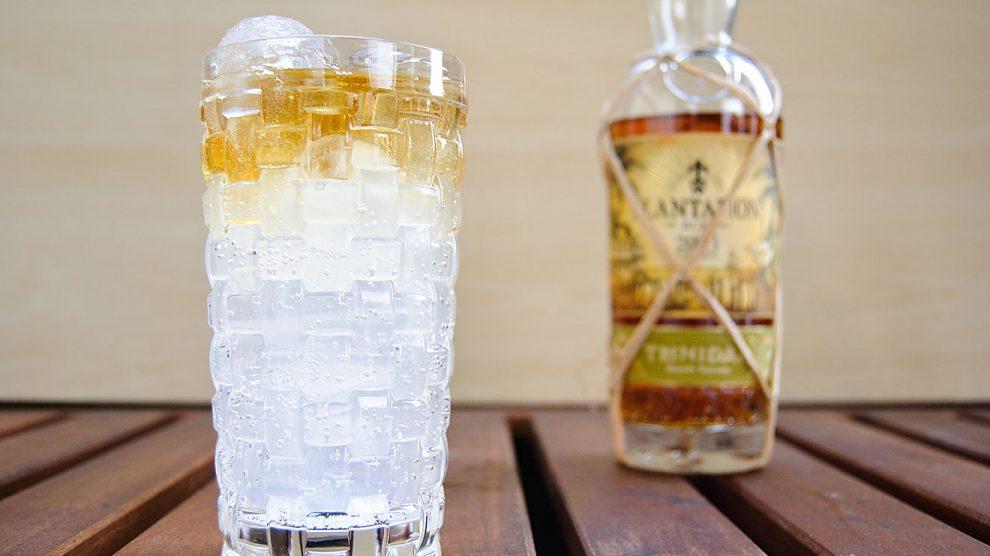 Der Plantation Rum Trinidad 2003 funktioniert im Dark & Stormy recht schön, allerdings solltet ihr zu einem eher zurückhaltenden Ginger Beer greifen.