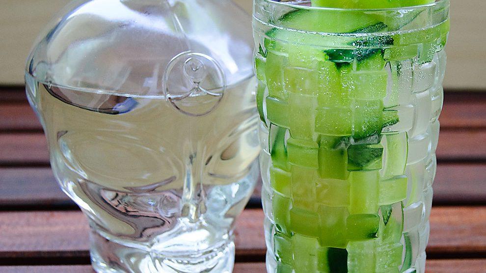 Allie Gin in einer noch nicht ganz spruchreifen Martini-Longdrink-Variante.