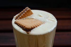 Ein Pick-Up-Bourbon-Dolce-de-Leche-Milkshake. Da kann man das Dessert ruhig stehen lassen. Passt eh nicht mehr rein.