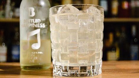 Der Bottled Happyness von Bottled Cocktails mit Ingwer und Gin.