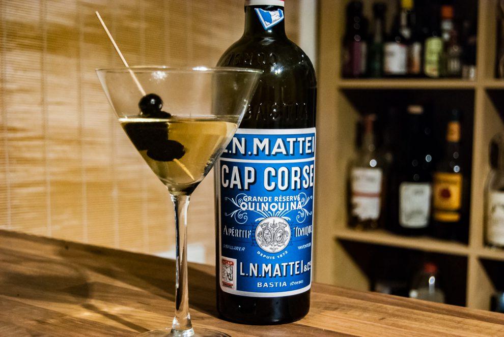Cap Mattei Quinquina Blanc in einem Mulled Martini.