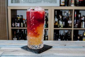 Der Potion de Muerto mit Tequila und Rote-Beete-Saft.
