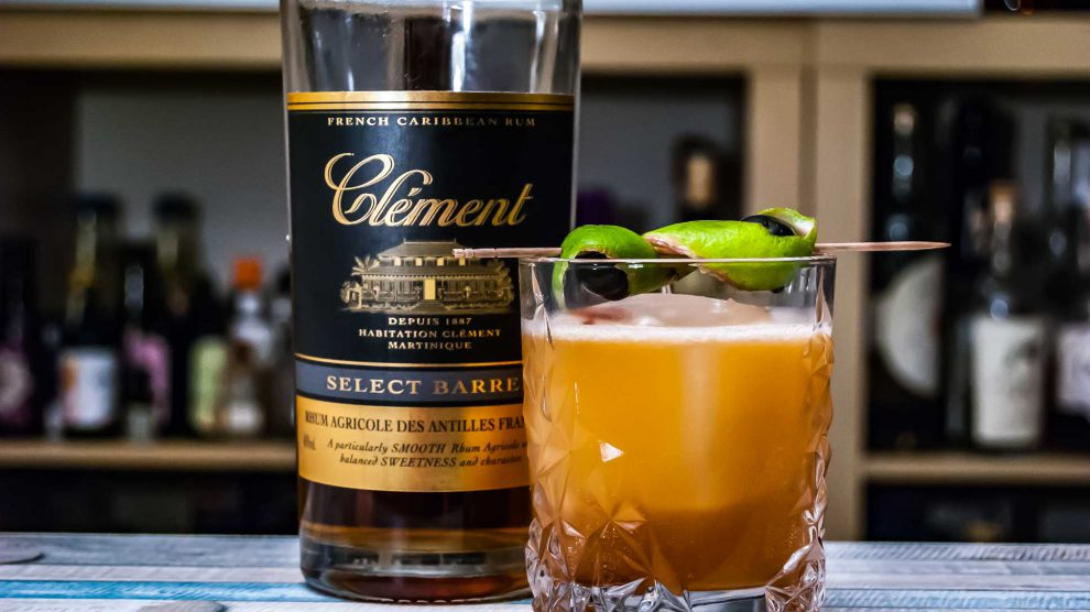 Der Clement Rhum Agricole Select Barrel in einem Twist des F.W.I. Revolver.