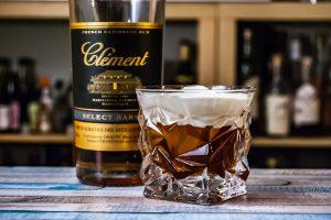 Der Russe Créole ist ein White Russian-Twist mit Rhum Agricole und Kokos-Rum.