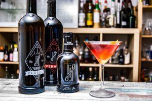 Beide Hoos Vermuts und der Hoos Grapefruit Gin im Perfect Martini.