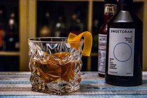 A Smoked Spiced Rum im Rum Sazerac.