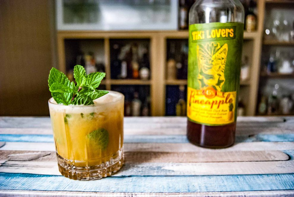 Der Tiki Lovers Pineapple im Tiki Italiano Cocktail.
