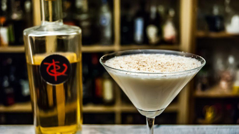 Der Revolte Rum im Rum Alexander Cocktail.