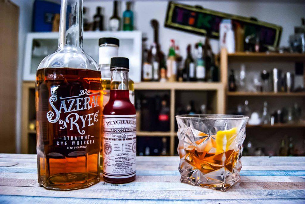 Der Sazerac Rye im namensgebenden Cocktail mit Peychaud's Bitters.