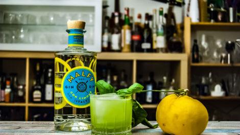 Malfy Gin con Limone im Gin Basil Smash.