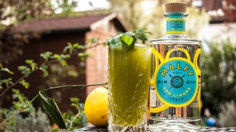 Malfy Gin con Limone im Ginger Basil Smash in der Variante mit extra viel Basilikum.
