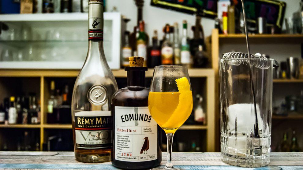 Edmund's Bitterfürst in einem Cocktail mit Cognac namens Sidecar 79268.