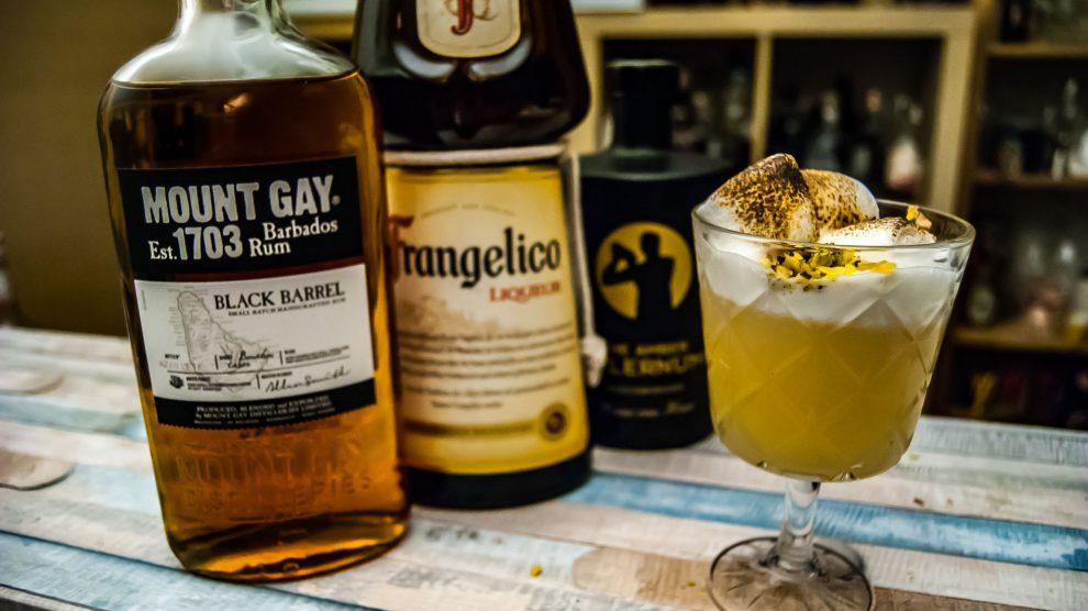 Mount Gay Black Barrel in einem Enhanced Frangelico Sour mit Frangelico und Amber Falernum.