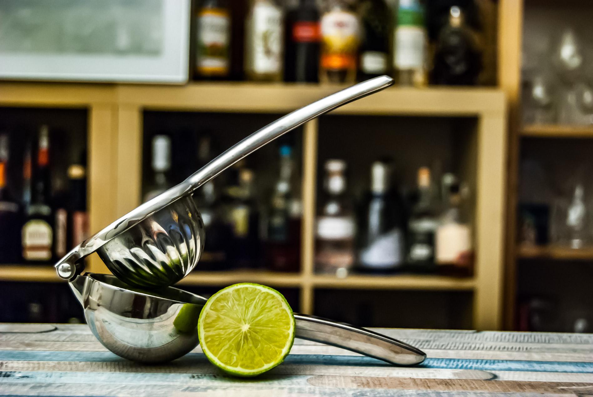 Die Elbow Press holt den besten Saft aus Zitronen und Limetten, aber hat jetzt nicht den höchsten Ertrag.