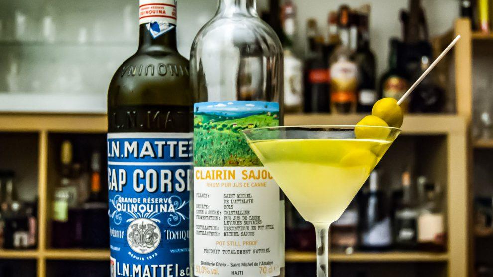 Ein Dirty Martini mit Clairin Sajous.