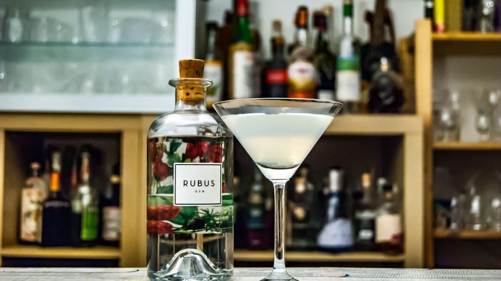 Rubus Gin im Martini.