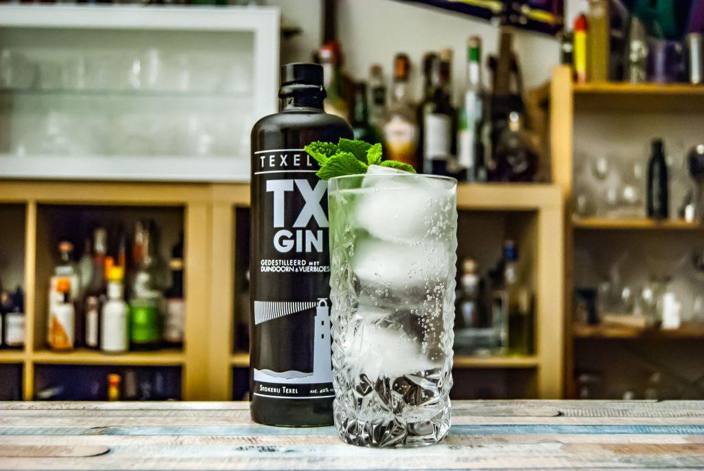 TX Gin in einem Gin Tonic.
