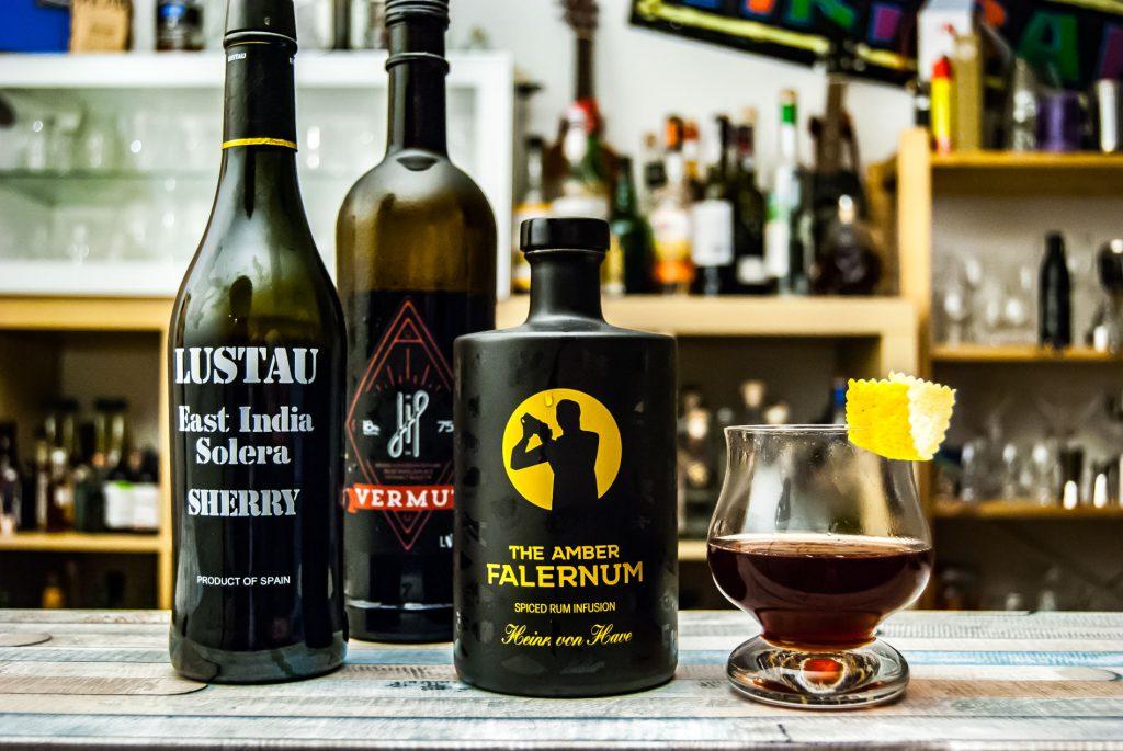Der Bamboozled Cocktail als Twist auf den Adonis.