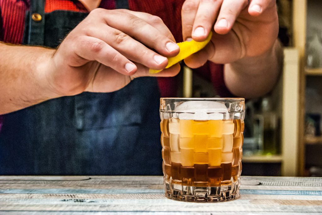Der Vieux Carré ist ein optisch schlichter, aber aromatischer Drink.