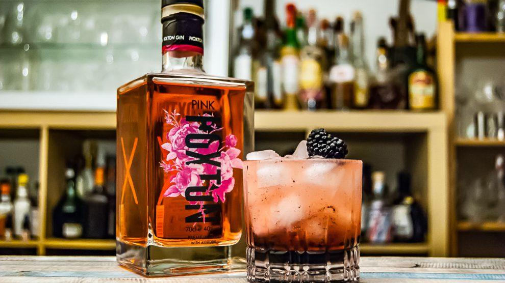 Hoxton Pink Gin im Bramble Cocktail.