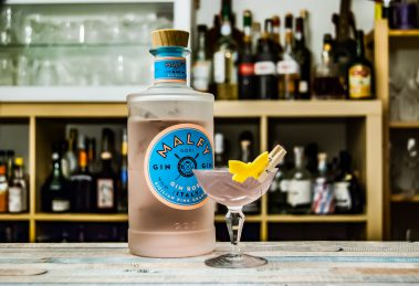 Malfy Gin rosa im Aviation Cocktail.